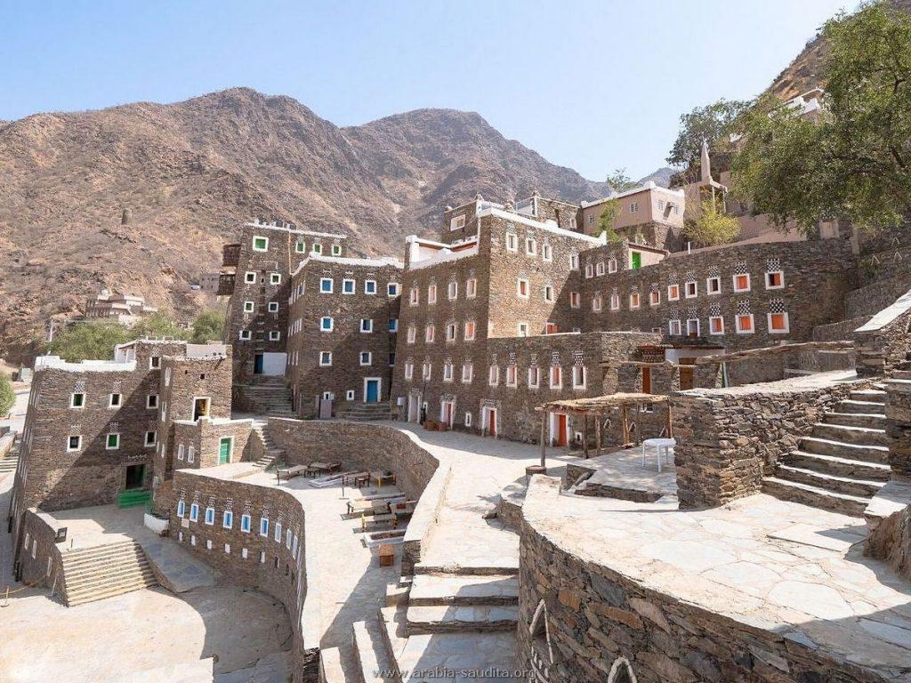 Rijal Almaa, vila de pedra nas montanhas